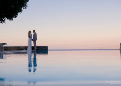 Web St Nicolas Bay WEDDING COUPLE BY INFINITY POOL
