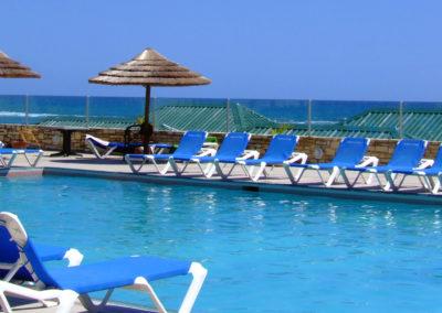 WEB st-jamess-club--antigua_pool-seating