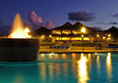 WEB verandah-resort-and-spa--antigua_pool-at-night