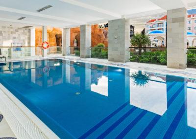 web FAOHI_Covered heated pool_Hilton Vilamoura