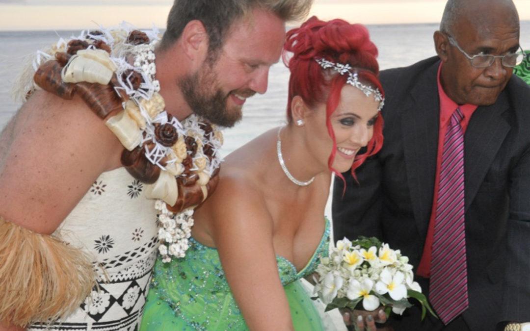 Nicolla & Karl marry in Fiji